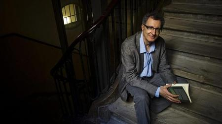 Eloy Tizón, en una foto de Ángel Navarrete que he mangado de la web de ABC.
